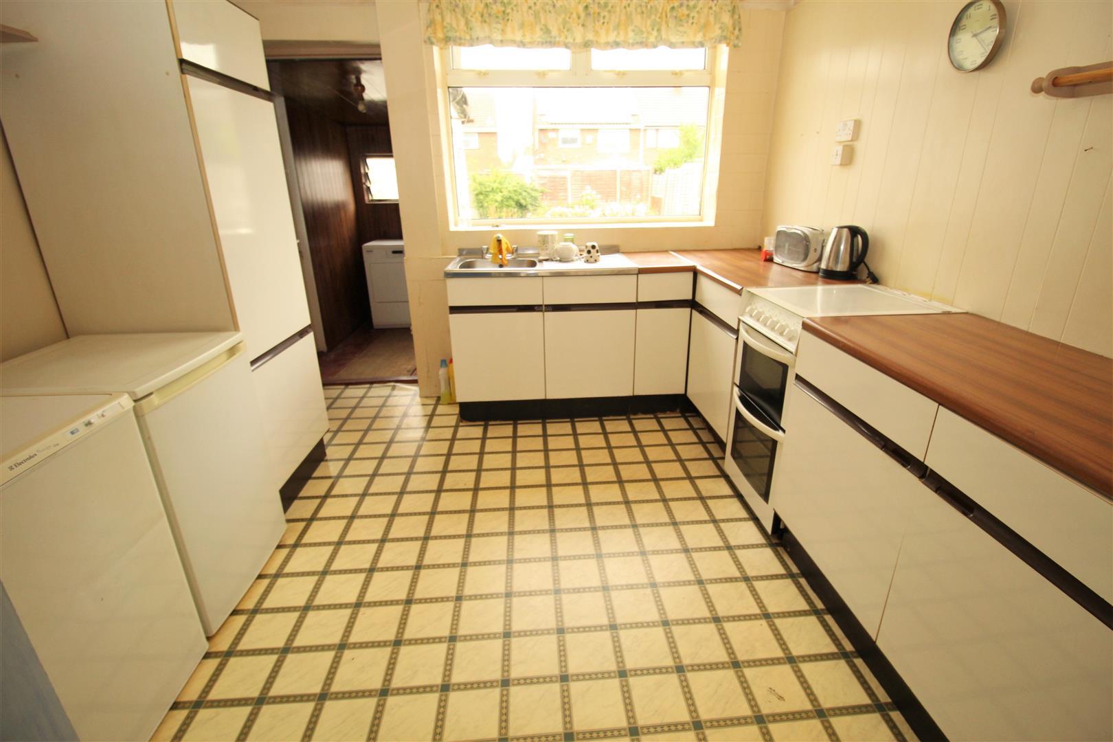 3 Bedrooms, House - Semi-Detached, Sandhurst Drive, Liverpool